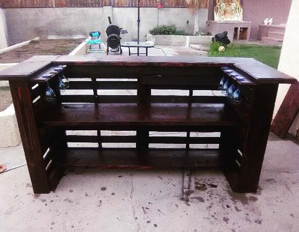 pallet bar bench must see bar inspiration many reclaimed pallet wood bars 1001