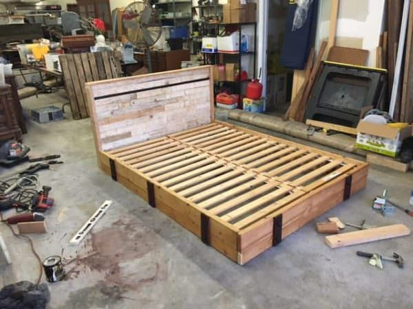 Pallets & Misc Warehouse Parts Can Make a Good Bed DIY Pallet Bedroom ...