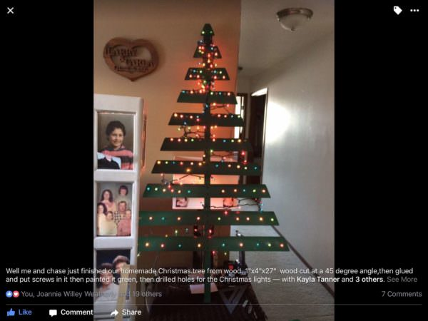 Pre-lit Pallet Christmas Tree We Painted Green! Pallet Home Accessories