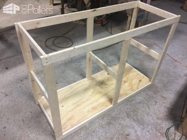 Sliding Barn Door Style Pallet TV Stand3