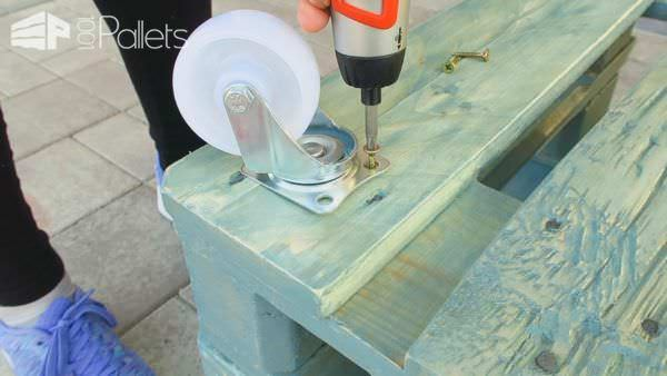 Vintage Style Pallet Coffee Table With DIY Video