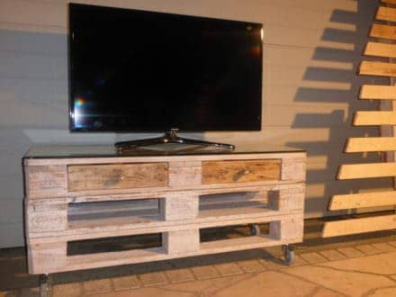 Whitewashed Mobile Pallet TV Stand Has Drawers Too!