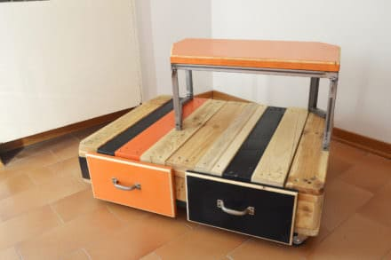 Fun Bi-level Pallet Sofa Table Has Two Drawers Plus Wheels!