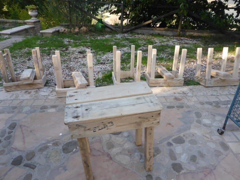 How to build an easy pallet stool come costruire uno sgabello con