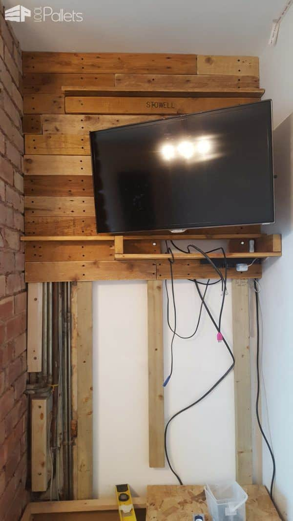 Feature Walls Using Pallets9