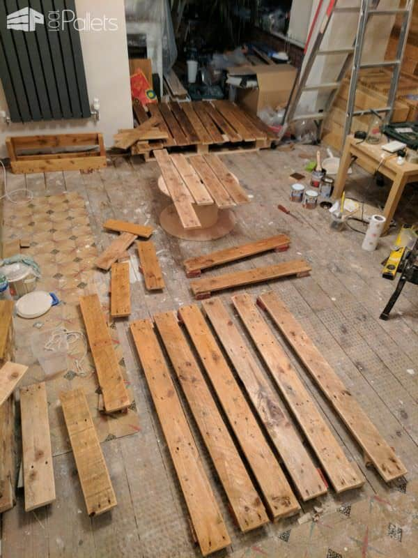 Feature Walls Using Pallets10