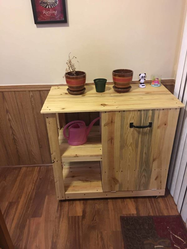 Pallet Trash Can Hideaway Shelving Unit1
