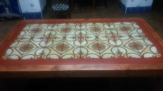 Pallet Wood Outdoor Table Featuring Upcycled Tiles 1001