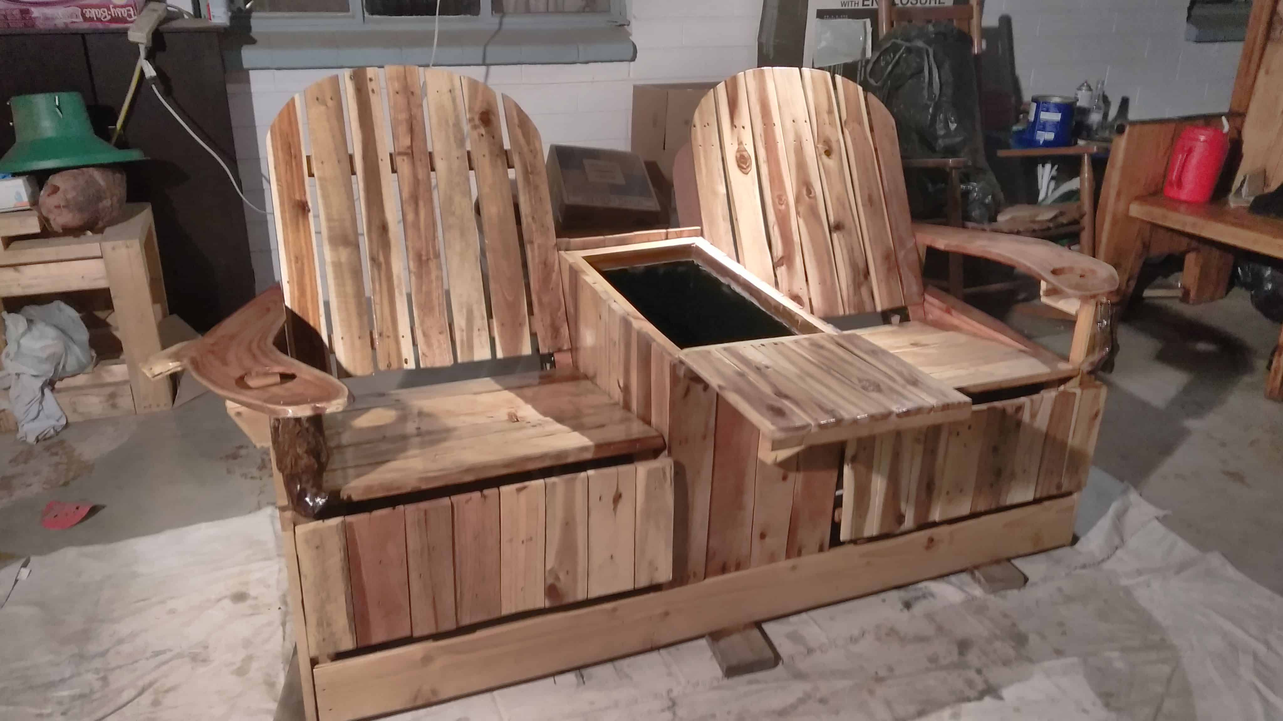 Party like pros 2 person pallet recliner has built in ice for Crafts made out of pallets