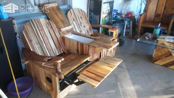 2-Person Pallet Recliner1