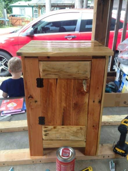 Upscale Pine Pallet Nightstand Has Lots of Storage!