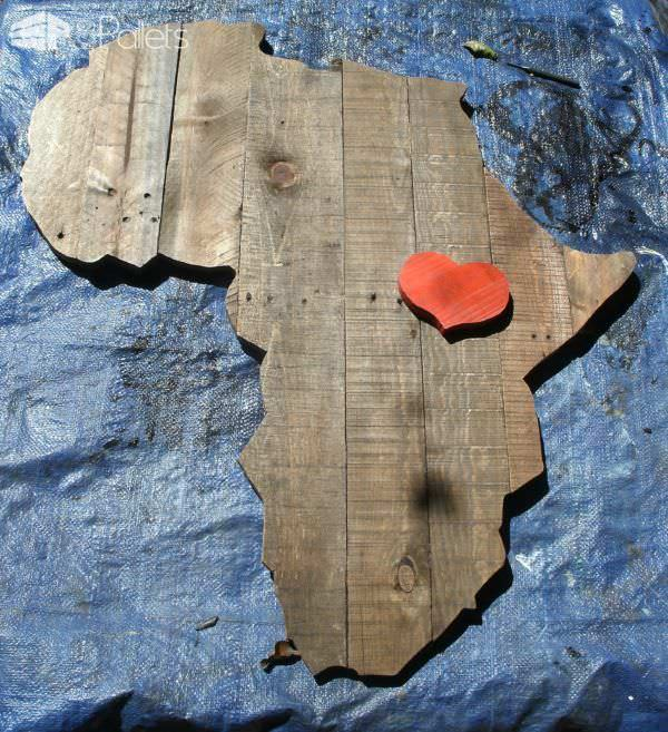 Africa Pallet Wall Plaque1