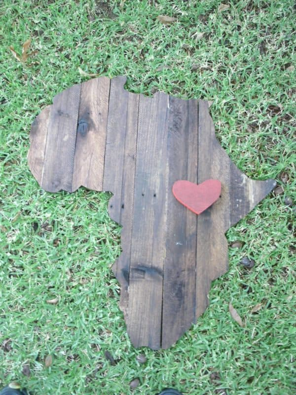 Africa Pallet Wall Plaque2