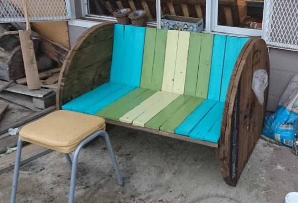 Pallet Wood Backyard Bench1