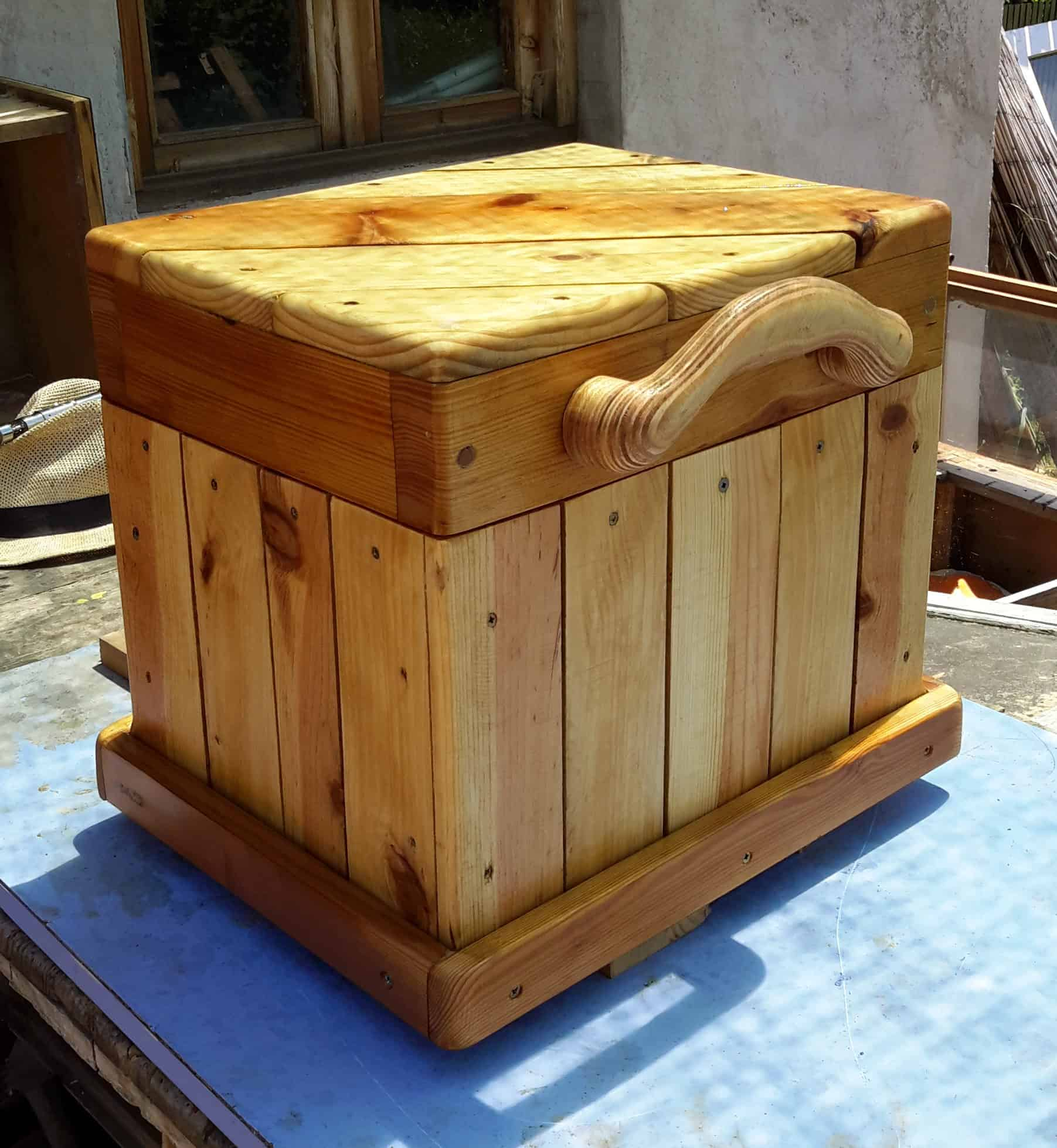 Diagonal Topped Pallet Chest Seat Features Carved Handle