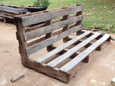 Diy One Pallet Bench Swings13