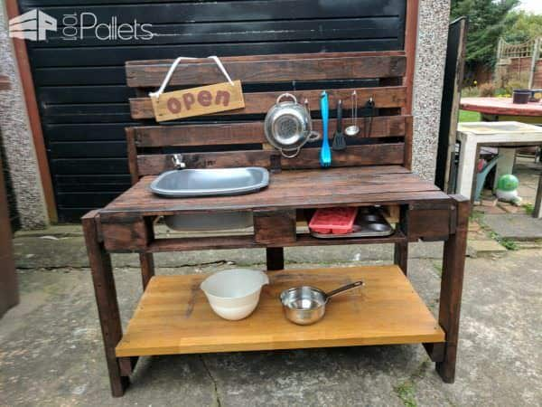 Fanciful Kid's Pallet Mud Kitchen Fun Pallet Crafts for Kids