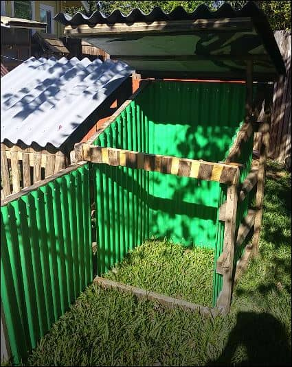 Gated Pallet Compost Bins5