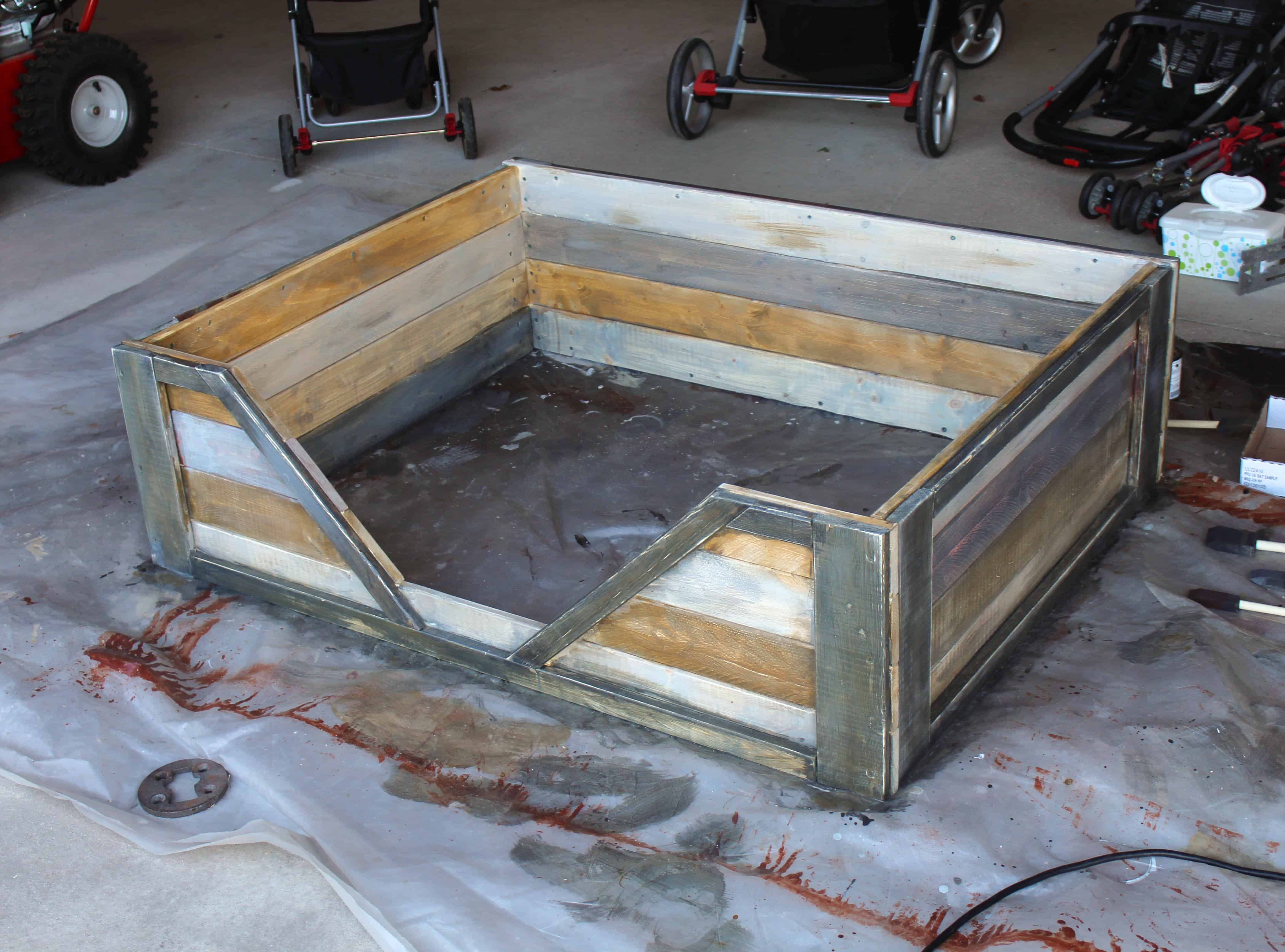How to make a dog bed from wood pallets