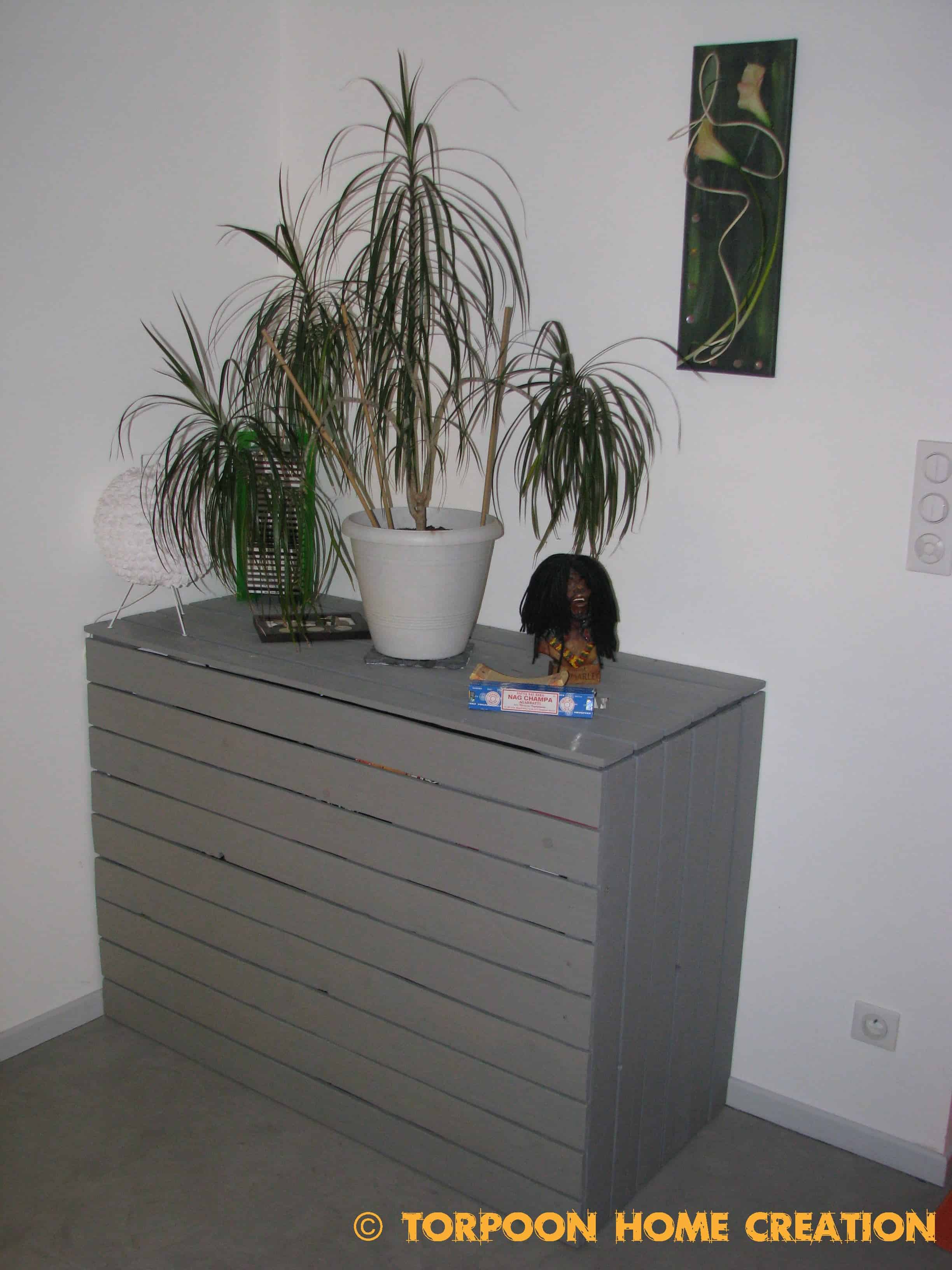 small built pin offices in studies desk with hidden area home study