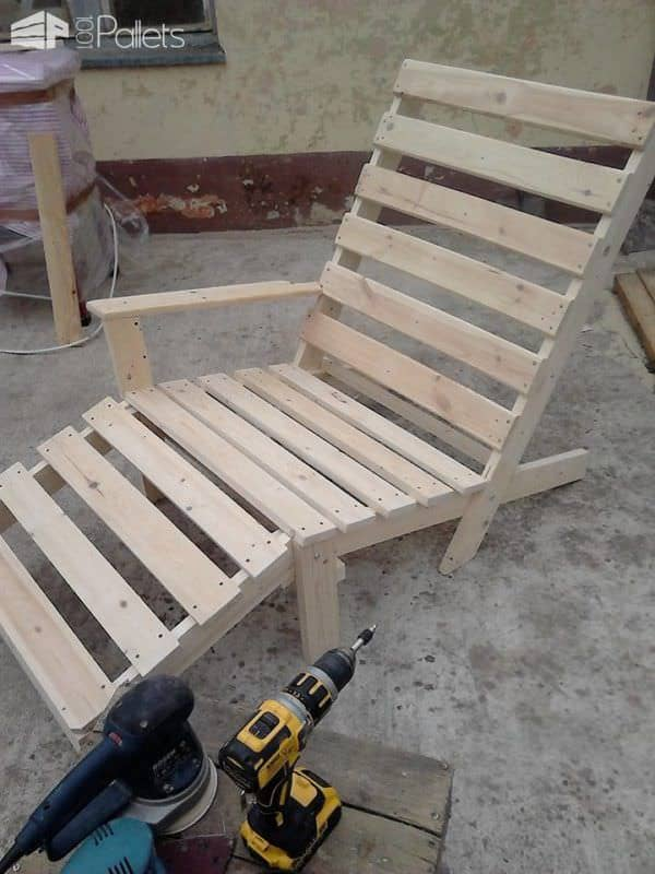 Pallet Chaise Lounge Chair3
