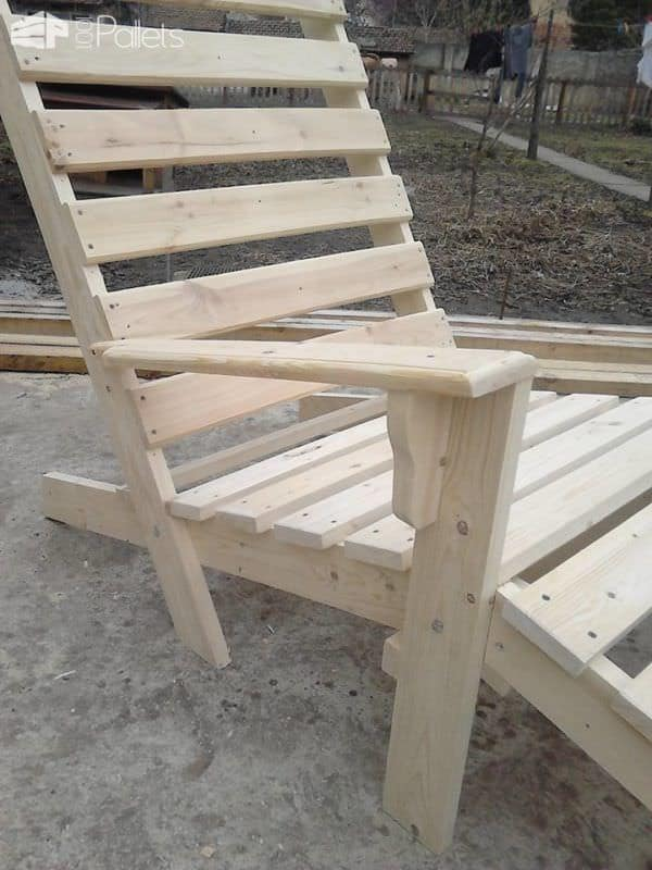 Pallet Chaise Lounge Chair2