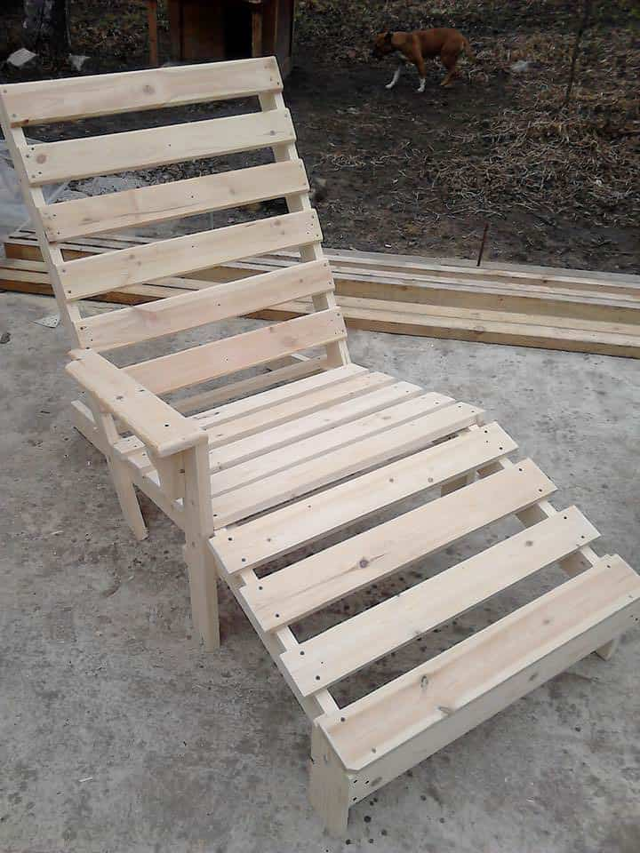 Relaxing Outdoor Pallet Chaise Lounge Chair • Pallet Ideas • 1001 ...