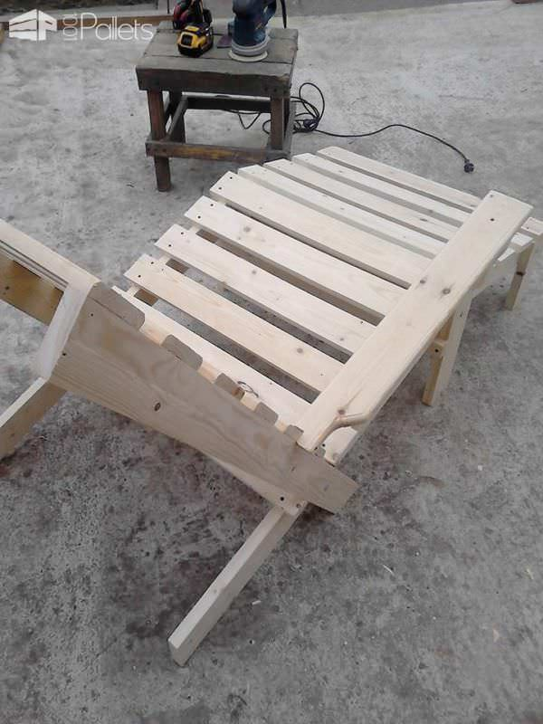 Pallet Chaise Lounge Chair4