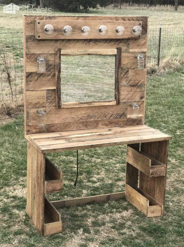 rustic lit pallet makeup vanity 1001 pallets. Black Bedroom Furniture Sets. Home Design Ideas