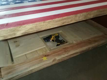 This Special Pallet Coffee Table Has Secrets!