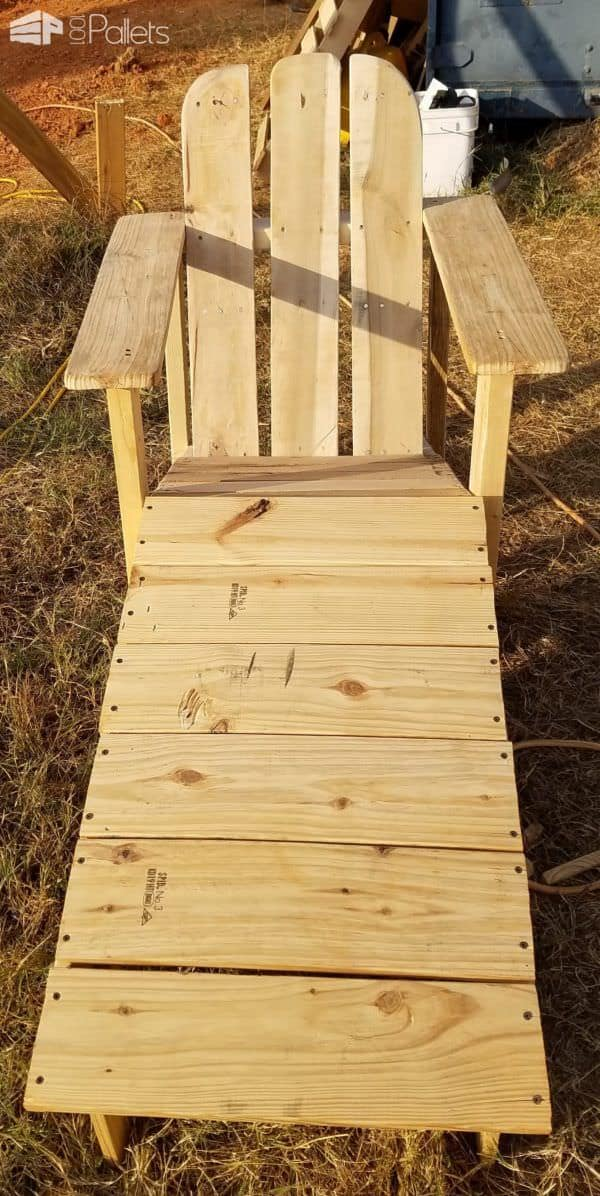 Adirondack Chairs With Foot Rests1