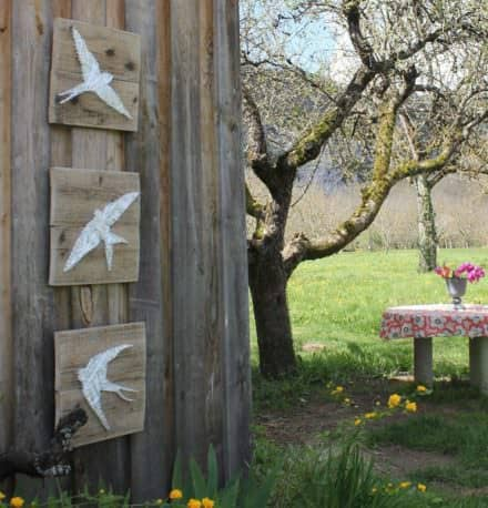 Turn Ribbon, Nails, Pallet Wood Into Delicate Pallet Swallows Wall Art