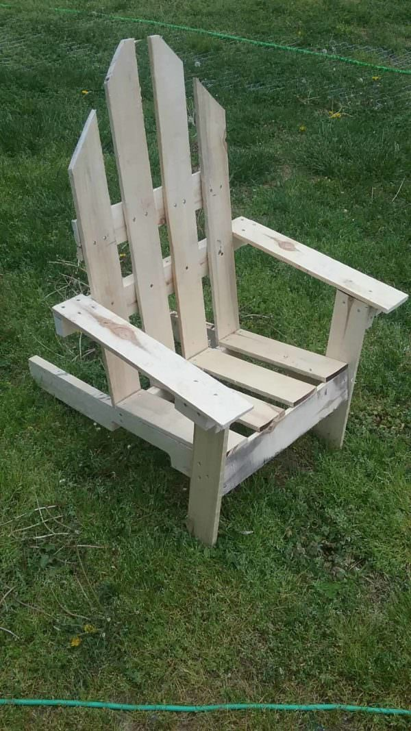 2 hour Easy Pallet Outdoor Chair Pallet Ideas 1001 Pallets