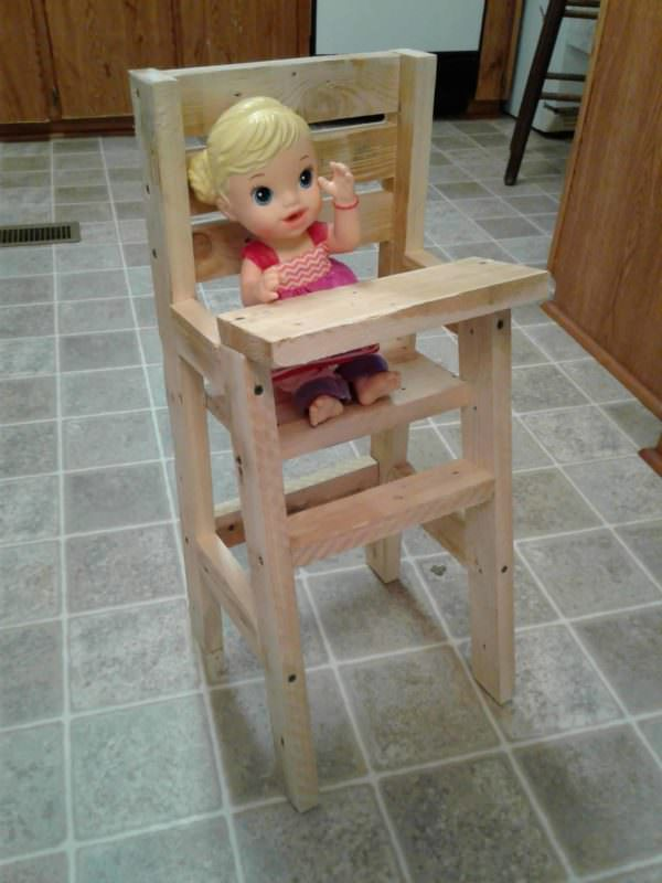 Baby Doll Pallet Highchair Fun Pallet Crafts for Kids Pallet Benches, Pallet Chairs & Stools
