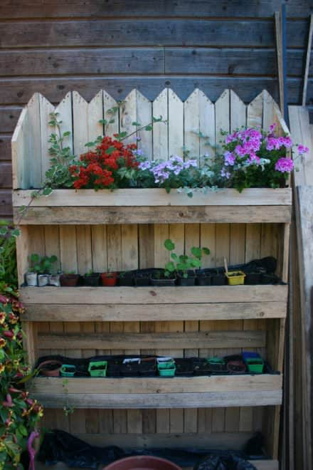 Decorative Vertical Pallet Planter / Mur Vegetal