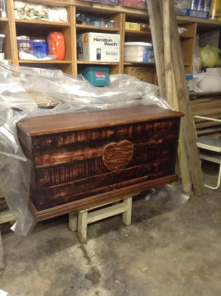 Heirloom Pallet Trunk Adds Charm Anywhere!
