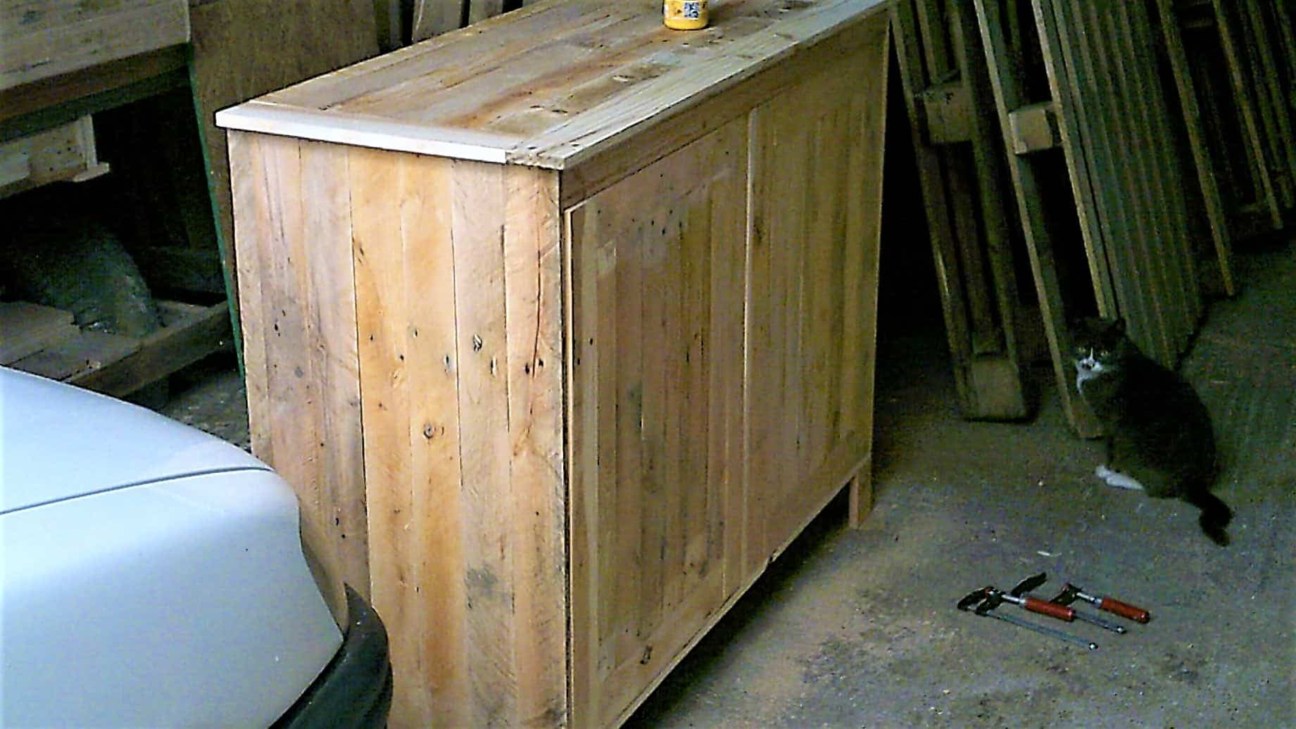 Multi purpose pallet cabinets meuble en bois de palette for Meuble palette bois