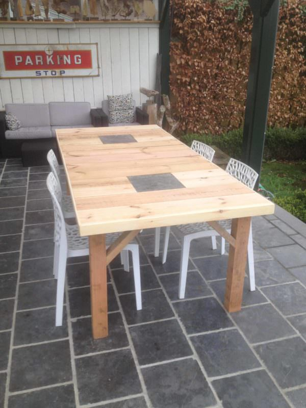 Several Pallet Tables Done in Different Styles Pallet Benches, Pallet Chairs & StoolsPallet Desks & Pallet Tables