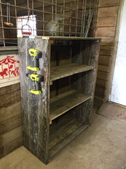 Easy DIY Pallet Barn Shelves