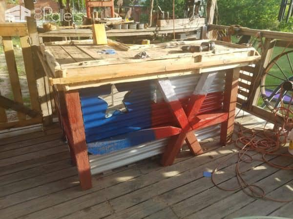 Good Ole' Boy's Pallet Bar Will Inspire You! Pallet Bars