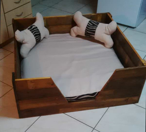 Pooch S Perfect Pallet Dog Bed With Homemade Cushions