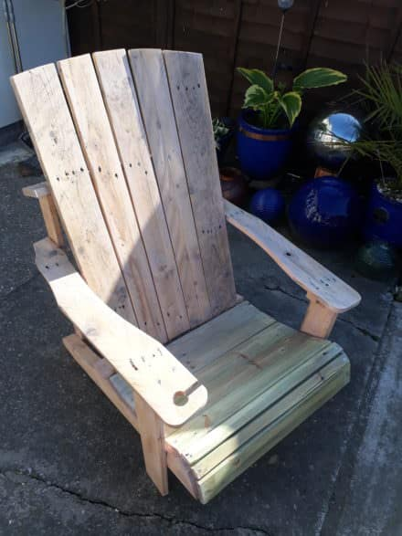 Standard Pallet Adirondack Chair Made Using Jigsaw!