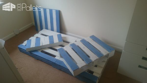 Transitional Children's Pallet Bed On Wheels