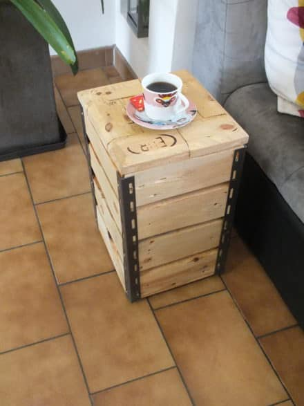 Cute Little Pallet Side Table