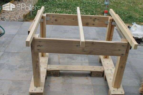 Large Pallet Garden Table
