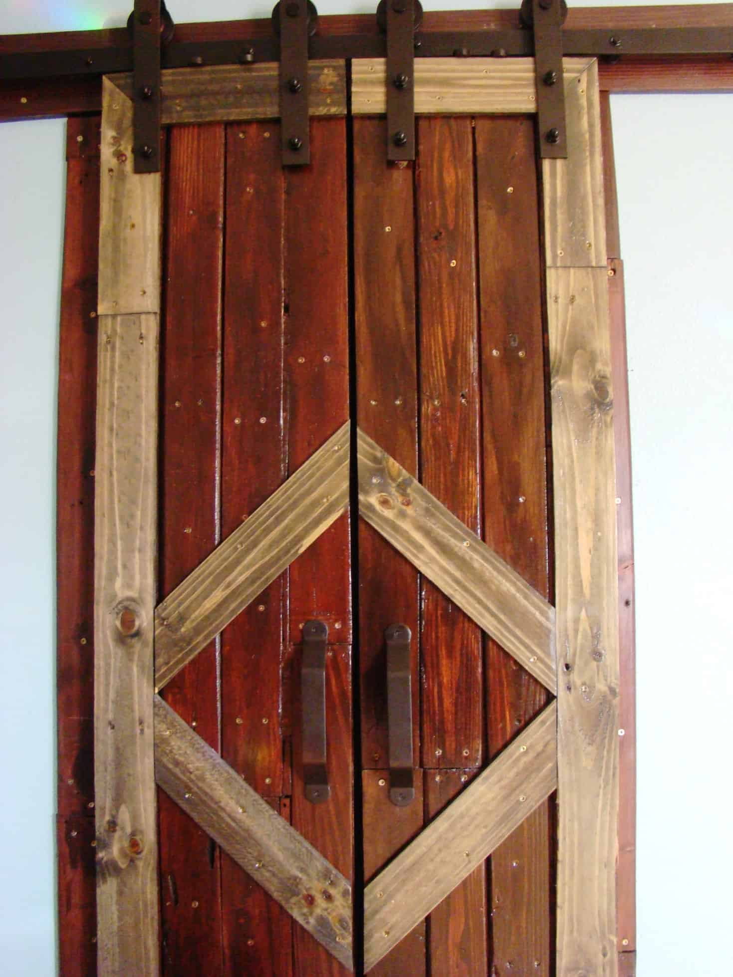 sliding barn doors. Pallet Sliding Barn Doors