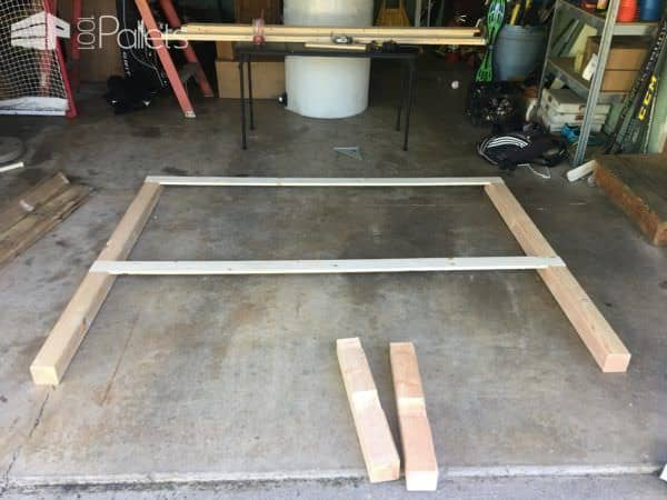 Rustic King-size Pallet Bed Frame DIY Pallet Bed Headboard & Frame