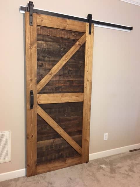 Stylish Rustic Sliding Pallet Interior Door Pallet Tutorials Pallet Walls & Pallet Doors