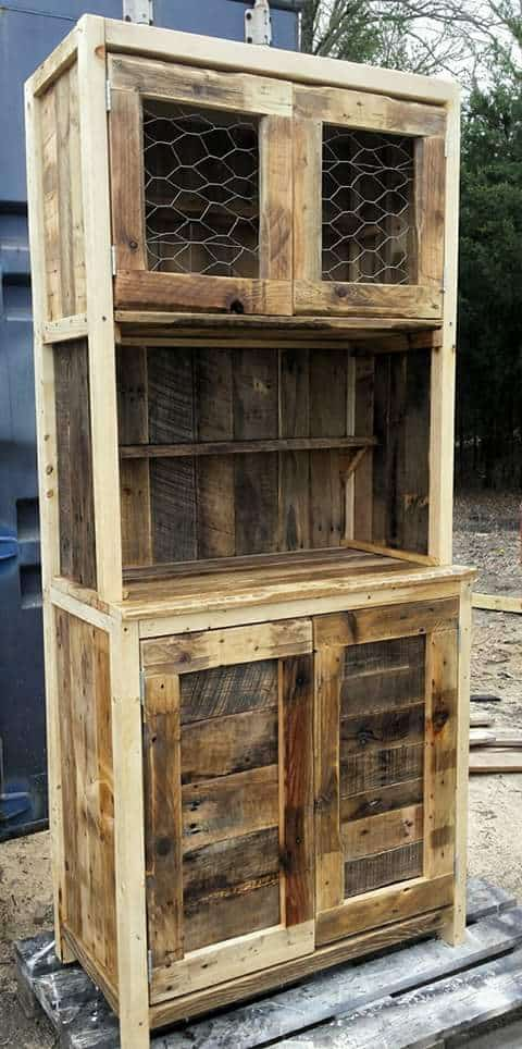 Rustic Pallet Hutch would look great in any room and would be a very handy small & Wire-door Rustic Pallet Hutch u2022 1001 Pallets