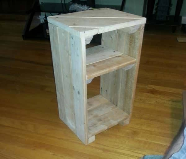 Use this Pallet Side Table indoors or outdoors!